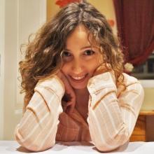 Serra Gómez, Claudia