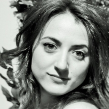 Martínez Medrano, Ester