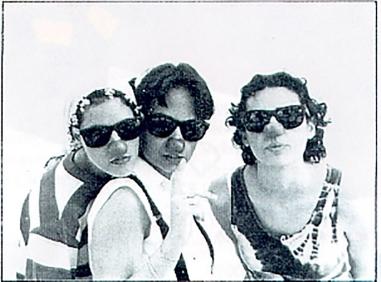 Conte content curtet i breu (1996)  / Amors Impossibles (2001)