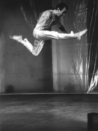 Danza para interiores; Plata y oro