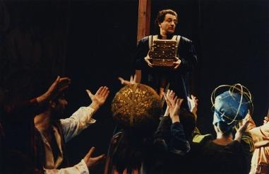 Isabel, tres caravel·les i un embolicador (Isabella, tre caravelle e un cacciaballe)