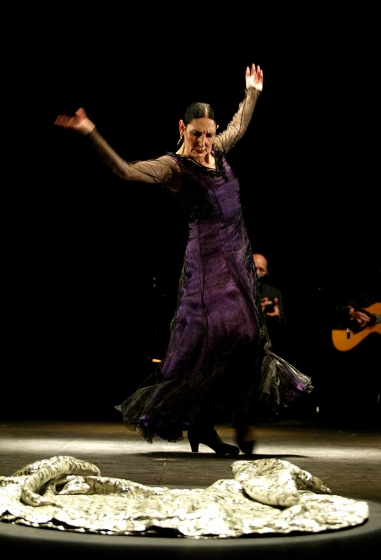 Luna... Luna Flamenca
