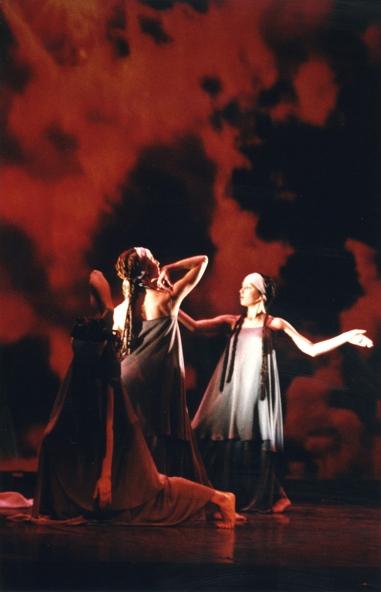 8 de Març, Dia Internacional de la Dona: mujeres por la paz 2000